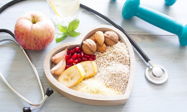 自然な食材と聴診器|副腎疲労 blog