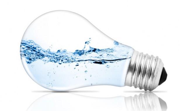 電球のガラスの中に綺麗な水が入っている写真|副腎疲労blog