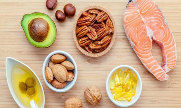 鮭やクルミ、アーモンド、アボガドなど良質なオメガ3を含む食材|副腎疲労blog