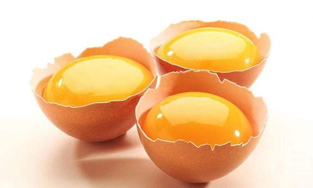 3個の卵の黄身|副腎疲労blog